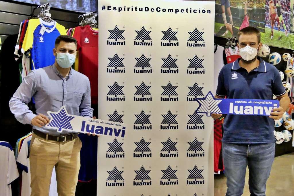 El responsable de patrocinios de Luanvi, Javier Tarancón, y Vicente Fontana, presidente del club